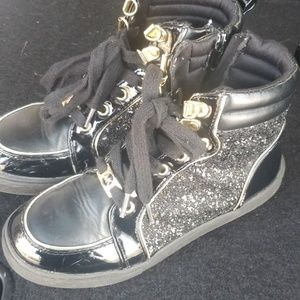 Girls size 2 high top Michael Kors sneakers